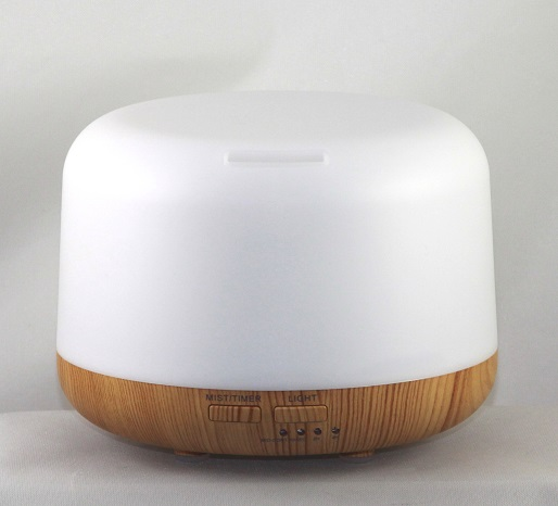 EDF-06White Top Light bottom - White Top Light wood bottom Aroma Diffuser, 500 ml capacity, H 12.5cm, W 16cm, 60 minutes, 120 minutes, and 180 miniute run options, auto shut off when water runs out, LED 7 colors automatically, 12 pieces per case