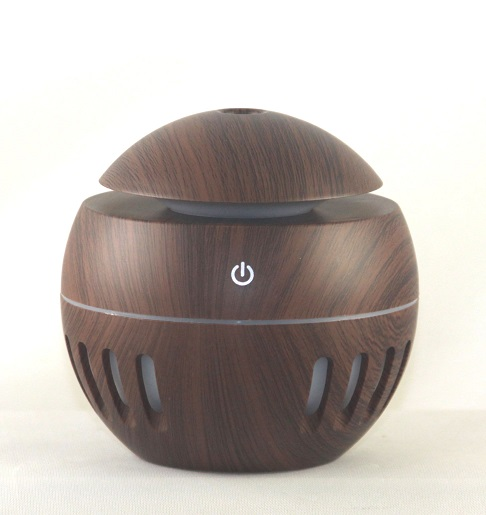 EDF-14D SOLD OUT - USB Aroma Diffuser, Dark Wood color, Can plug into a USB Port H 10cm, W 10cm, auto shut off when water runs out,LED 7 colors automatically, 12 pieces per case