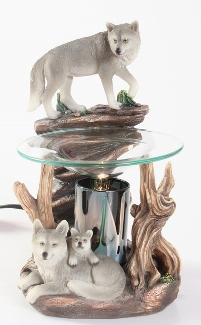 EP-151 Wolf on Rock - Poly Resin Electric Oil Burner/fragrance lamp. Price is each pc, its packed 4 pcs to a case.