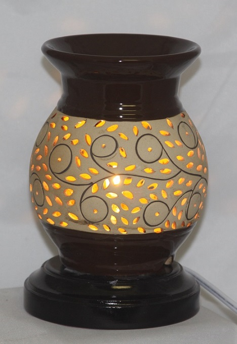 EW-604 - POTTERY ELECTRIC OIL BURNER, THE UNIT HAS WOOD BASE AND COMES WITH DIMMER CONTROL. 12PCS PER CASE.